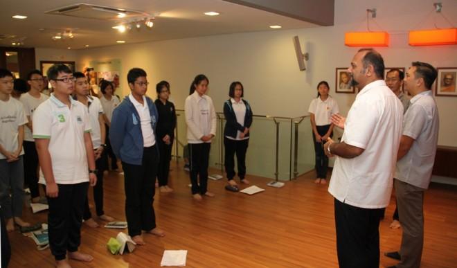 The YBs addressing the Dhamma School.