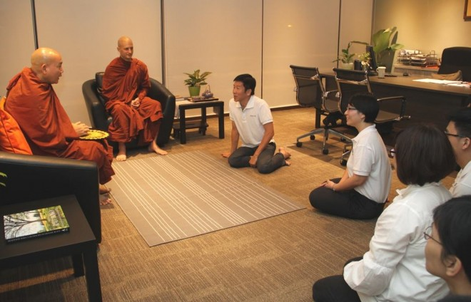 Ven. Asabhacara meeting with Nalanda officers.
