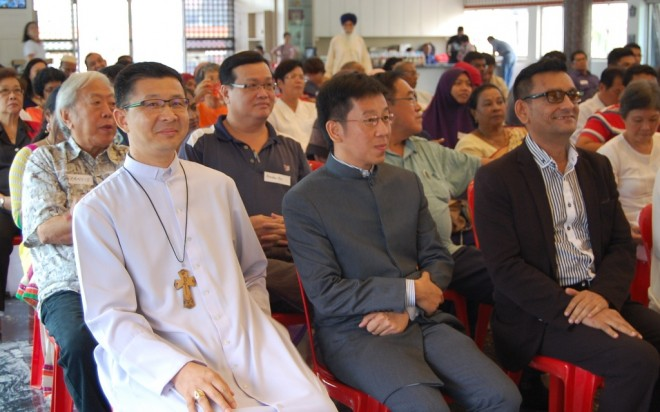 Front row from left: His Excellency the Roman Catholic Archbishop of Kuala Lumpur Julian Leow, Bro. Tan, and Mr. Shah Kirit, Founder of Global Unity Network.
