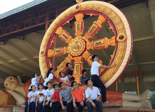Dhamma School facilitators and students on Dhammaduta mission in Kelantan.