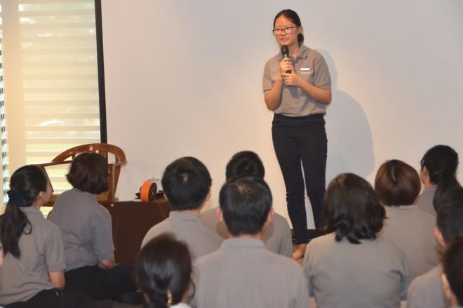 Sis. Jia Xin shares her 'Nalanda experience' with fellow members.
