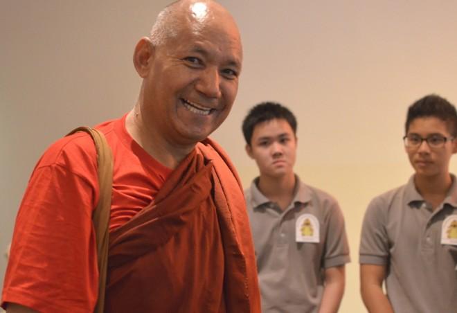 Ven. Sanghasena arriving for his Dhamma talk.