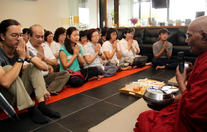 Devotees came to honour Ven. Gunaratana on the 61st anniversary he became a missionary monk.