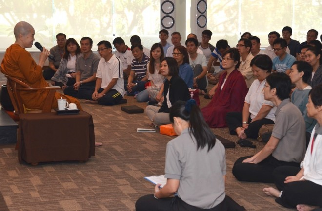 Devotees listening attentively to the Dhamma talk by Ven. Sumangalā.