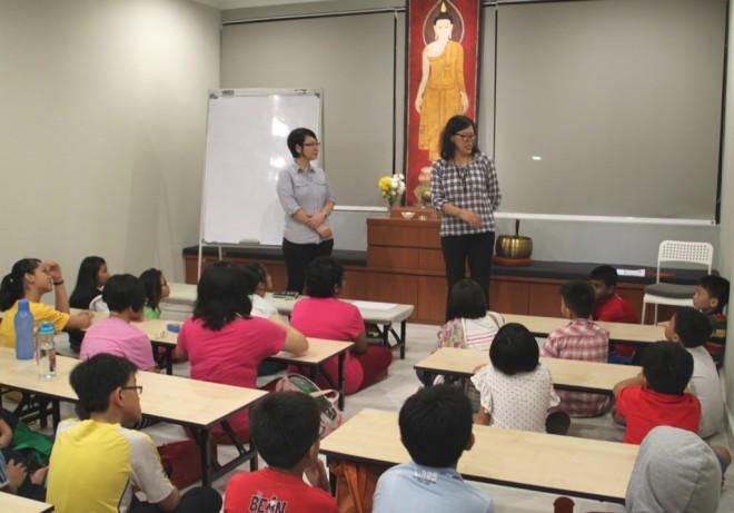 Nalanda Free School Principal Sis. Lee and Coordinator Sis. Nandini welcoming the students.