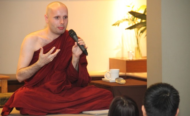Venerable Mangala led the weekly group meditation and Dhamma sharing session.