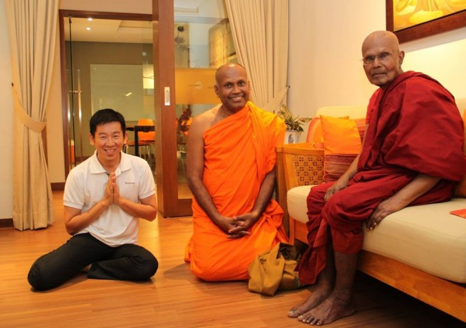 Ven. Saranankara came to visit despite his busy schedule and having just returned from Sri Lanka.