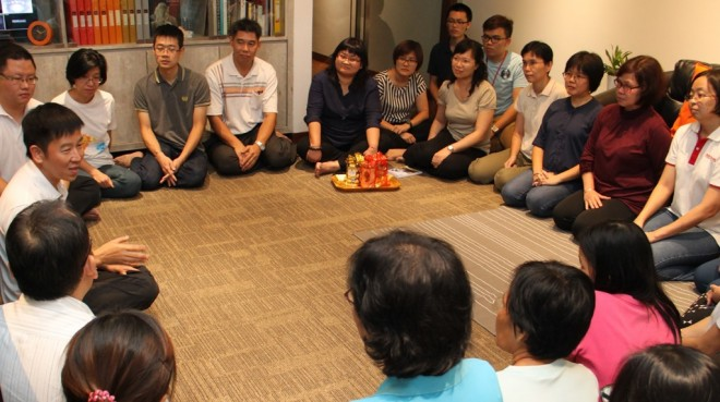 Bro. Tan counselling Nalandians to celebrate the coming Chinese New Year joyfully, meaningfully and spiritually with understanding.