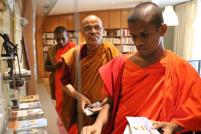 Ven Ariyadeva (centre) was pleasantly surprised by the changes at the Centre since his last visit 8 years ago.