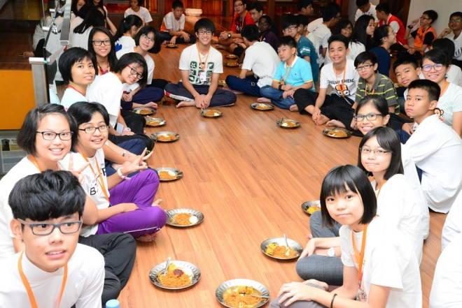 Communal meals help to strengthen ties and foster friendships.