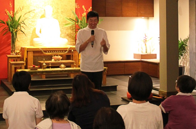 Bro. Tan sharing the story of King Dutthagamani who was instrumental in the development of Buddhism in Sri Lanka.