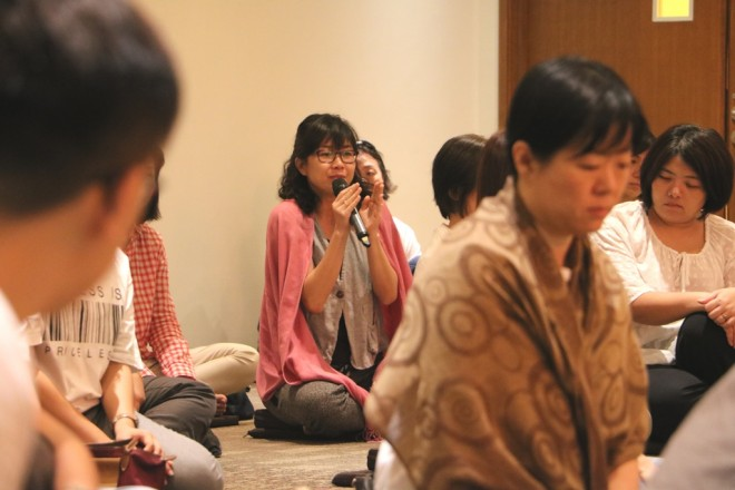 Devotees participating in the Q&A session with  interesting questions on meditation.