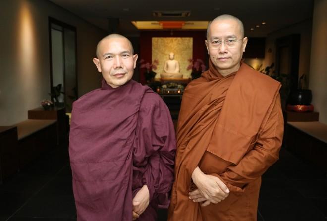 Sayadaw U Nandasiddhi (right) with Venerable U Vijaya.