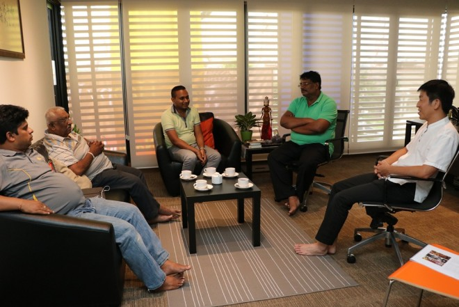 The Sri Lankan temple officers having discussion with Bro Tan.