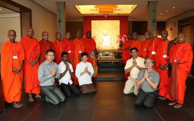 The scholar monks visited Nalanda Centre as part of their study tour to Malaysia.