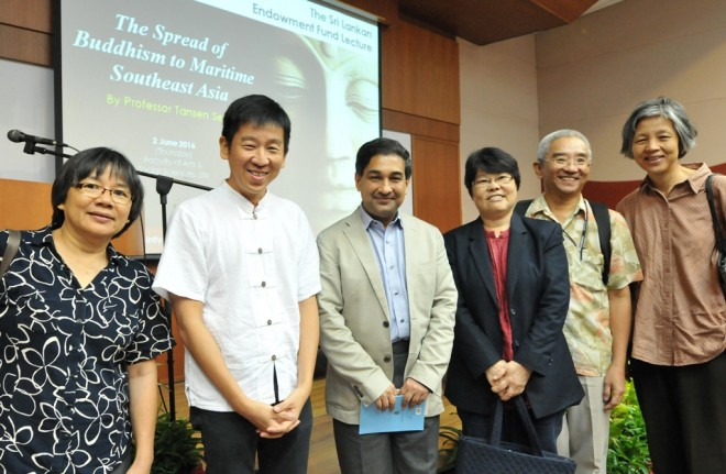 Bro. Tan with Prof. Tansen and Buddhist leaders at the lecture.