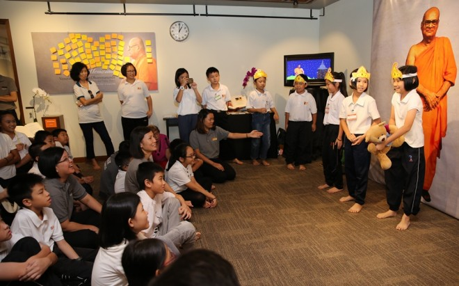The Dhamma School also organises children's activities at the exhibition as part of its educational programme.