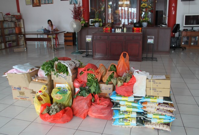 Food delivered to Ci Hang Chempaka Welfare Association on 16 July.
