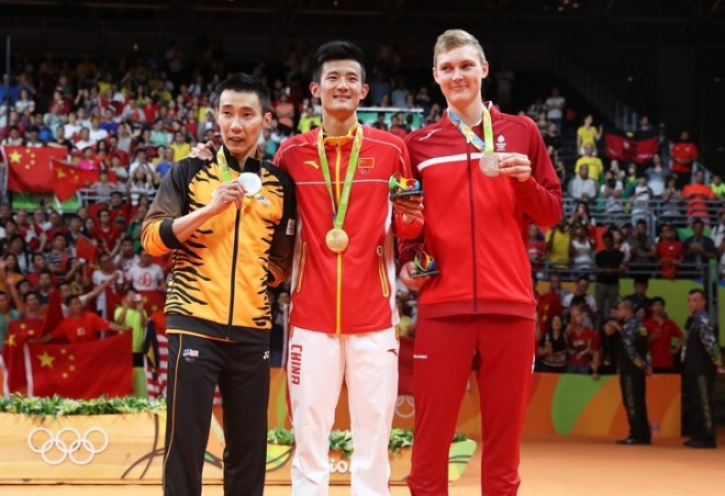 Silver medalist in Men's singles badminton – Datuk Lee Chong Wei (left) with other winners.
