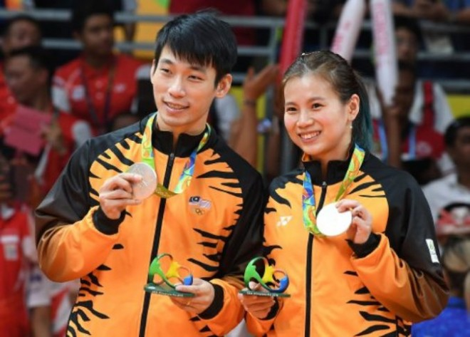 Silver medalist in Mixed doubles badminton – Chan Peng Soon and Goh Liu Ying.