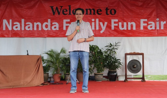 Dato' Teng expressed amazement at the huge crowd that turned up for the 'Family Fun Fair'.