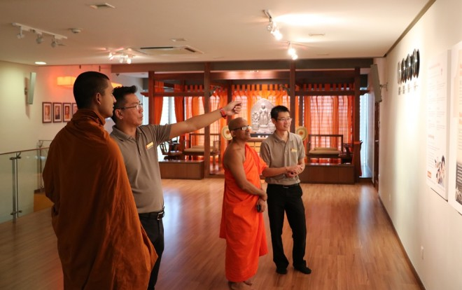 The venerables visited Nalanda Centre in Sri Serdang.
