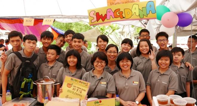 Dhamma School students operated three stalls at the Fun Fair.