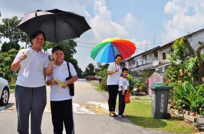 Promoting the fund-raising event from door-to-door.