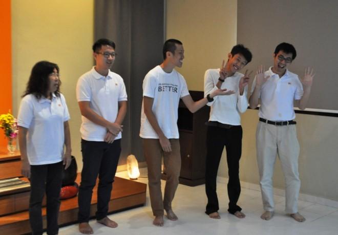 Group presentation by 'joyful' facilitators.
