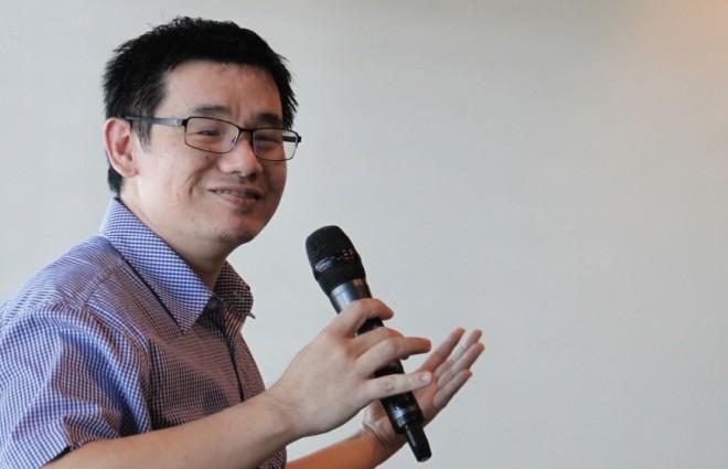 Talk by Dr. Phang Cheng Kar.