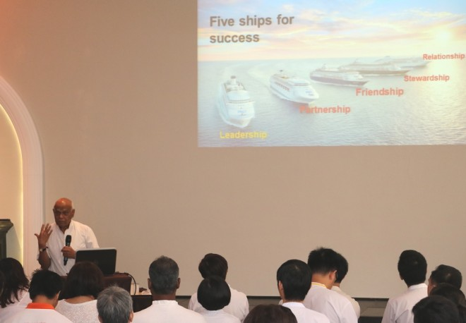 "Achariya Vijaya elaborating on the five important ""ships"" for success."