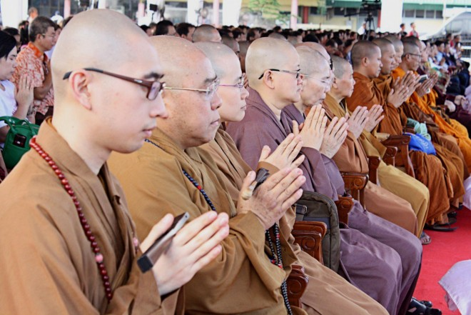 Sangha members leading prayers in Medan on 19 November 2016.