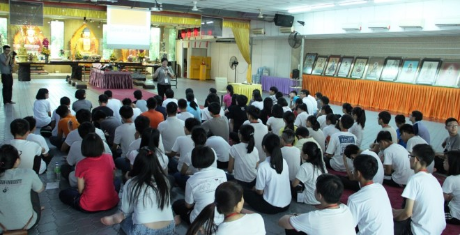 Director of Nalanda Dhamma School Sis. Sunanda giving a talk.