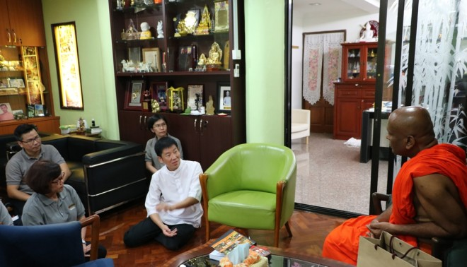 Nalandian officers paid a courtesy visit to abbot Ven. Sri Saranankara.