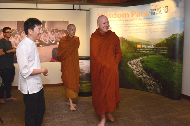Ajahn Kalyāno also visited the special exhibition on 'Wisdom Park'.