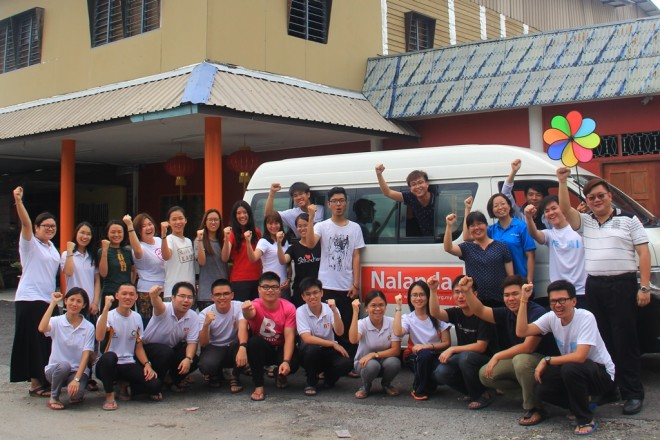 Facilitators and Nalandian youths fully recharged after the enjoyable annual retreat.