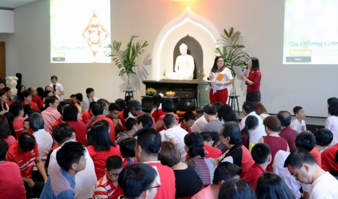 Dhamma School facilitators Sis. Wei Nee (front left) and Wai Yan hosting the event.