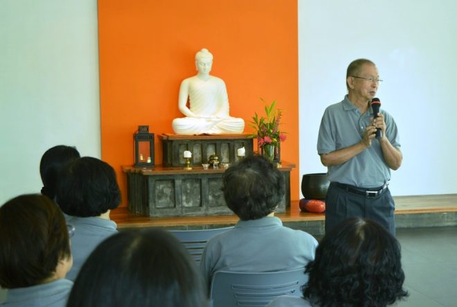 The oldest Nalanda member, Mr. Khaw Kheng Hooi, sharing his joyful thoughts at the A.G.M.
