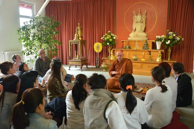 Ajahn Jayasaro teaching Dhamma to lay people.
