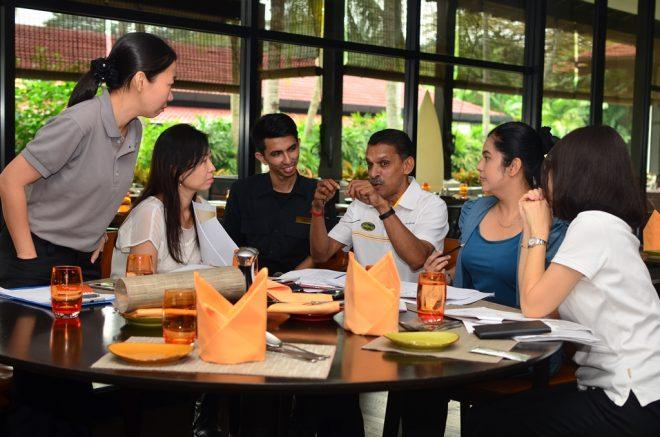 Organising team members visited Saujana Hotel.