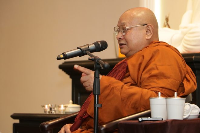 Sayadaw Nyanapurnik spoke about the five factors necessary for attaining jhana at the Dhamma talk.
